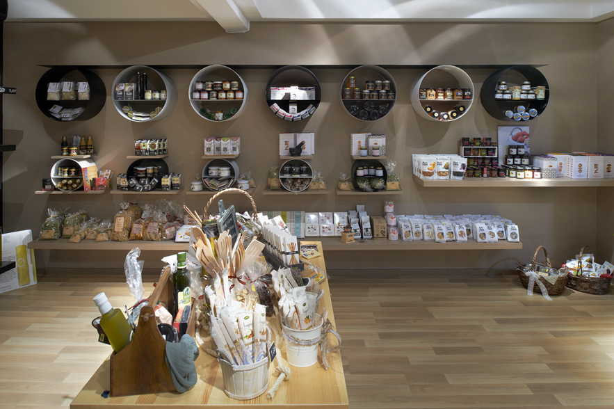 At Aroma eliris organic olive shop aroma 46